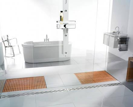 bodengleiche dusche mit holzrost zum niederknien sch n aqua. Black Bedroom Furniture Sets. Home Design Ideas
