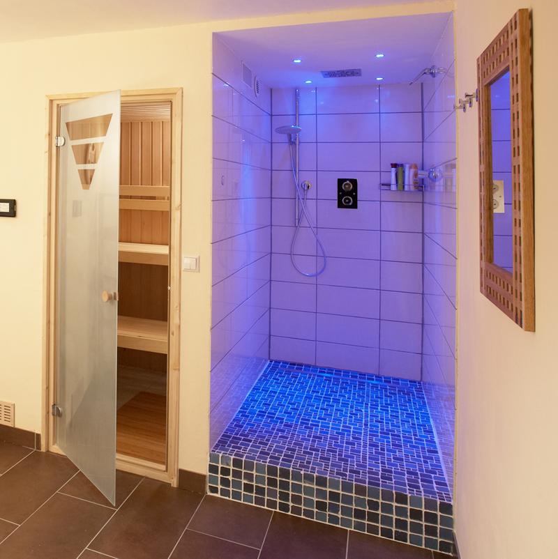 keller wird zum saunabereich aqua. Black Bedroom Furniture Sets. Home Design Ideas